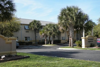 Picture of Quality Inn Gulf Shores in Gulf Shores