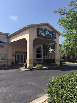 Picture of Quality Inn in Gulf Shores