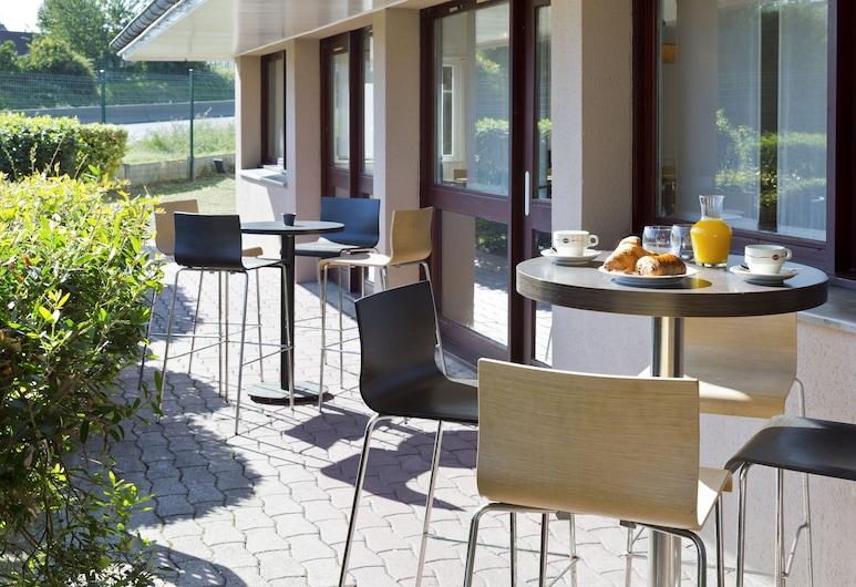 Comfort Hotel Linas - Montlhery, Linas, Taras/patio