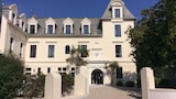 Choose This Mid-Range Hotel in Saint-Pol-de-Leon