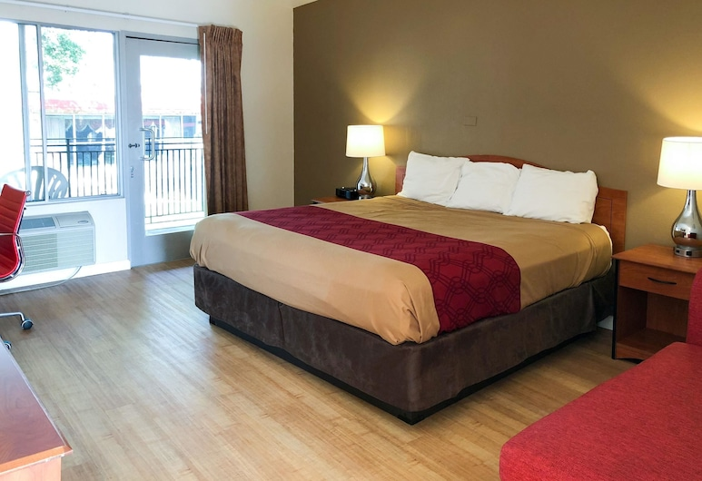 Econo Lodge Inn and Suites Oakland Airport, Oakland