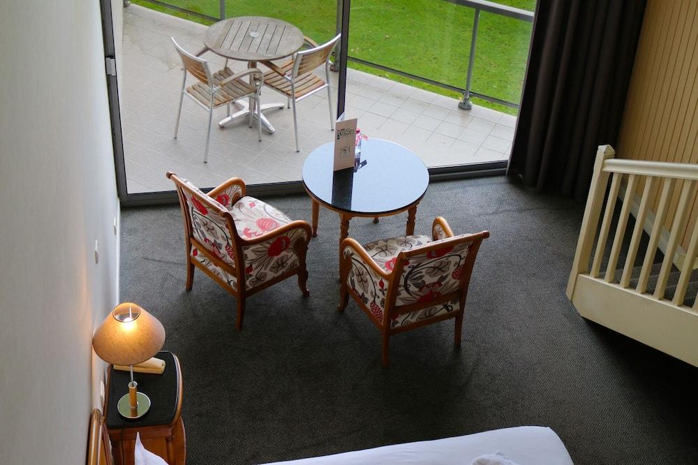 Habitación cuádruple familiar, balcón, vista a la bahía - Vista al balcón