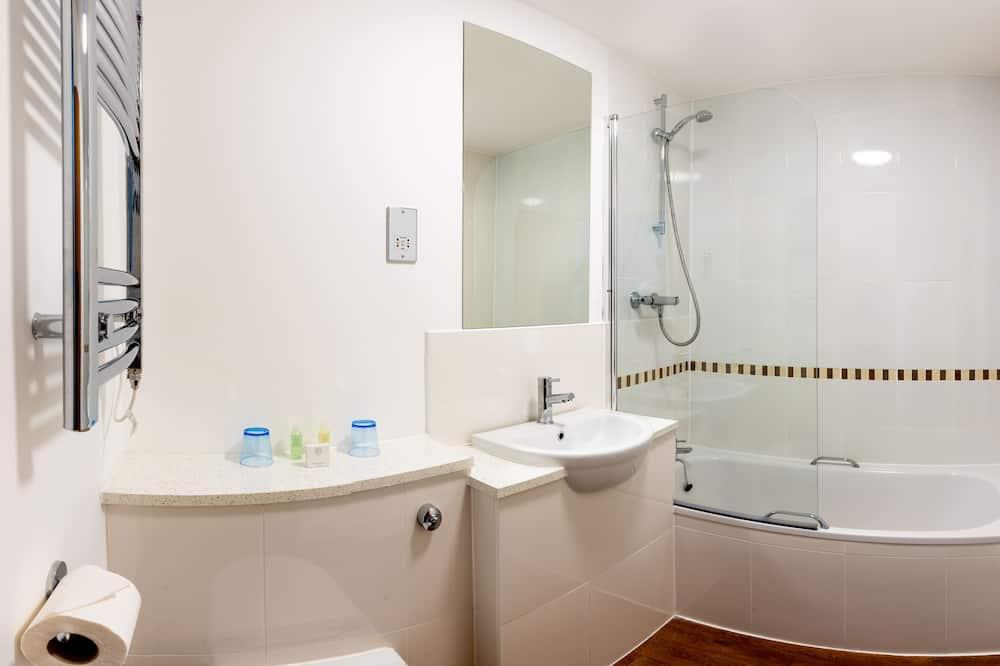 Twin Room with Sea View - Bathroom