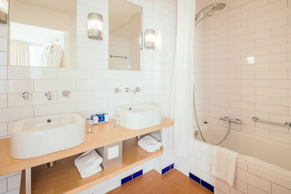 Suite, vista al río (Captain) - Baño