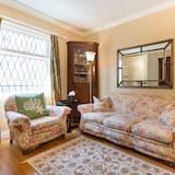 Room 5 - King Bed, 2 Level Loft, Fireplace - غرفة معيشة