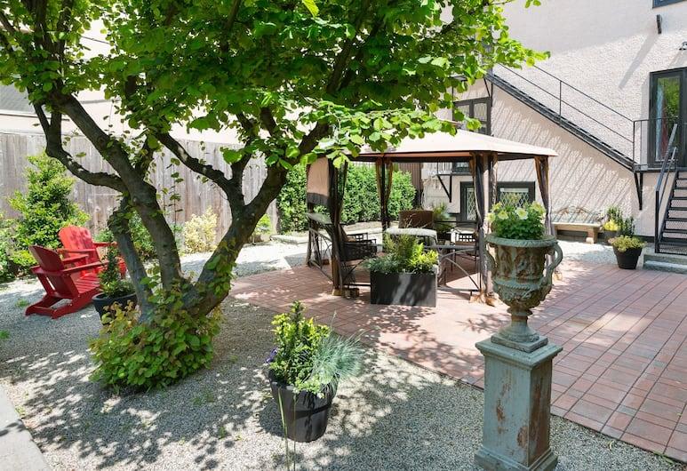 English Bay Inn Bed and Breakfast, Vancouver, Terraza o patio
