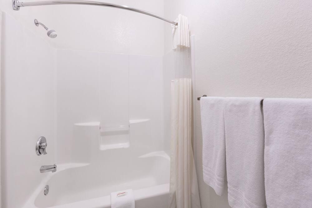Standard Room, 2 Queen Beds - Bathroom Shower