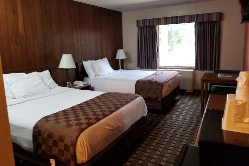 Room, 2 Queen Beds, Smoking, Refrigerator & Microwave - Guest Room