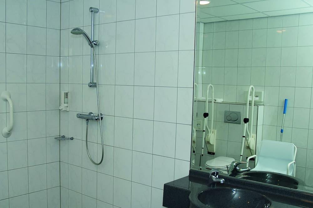 Doppelzimmer, barrierefrei (shower) - Badezimmer