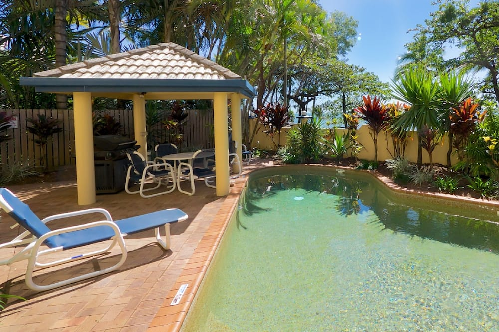 Standard Apartment, 2 Bedrooms, Beachfront - Pool