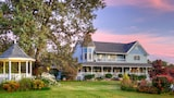 Book this Free Breakfast Hotel in Sevierville