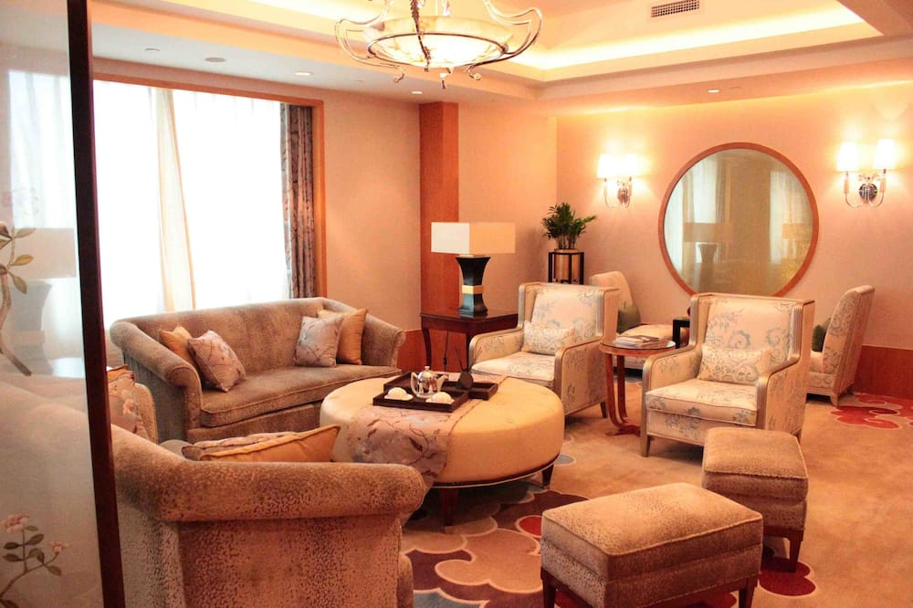 Presidential Suite, 1 King Bed, Non Smoking, City View (with one air purifier) - Living Area