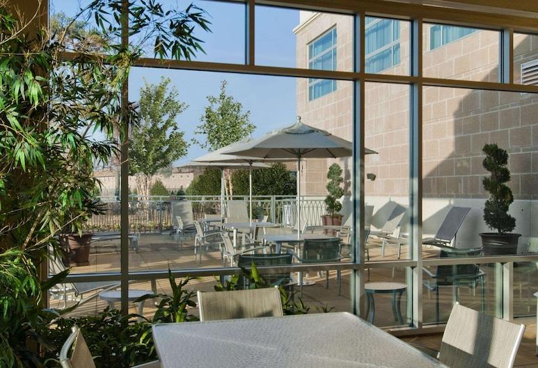 Embassy Suites by Hilton Hampton Convention Center, Hampton, Terase/iekšējais pagalms