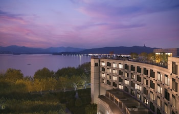 Enter your dates for our Hangzhou last minute prices