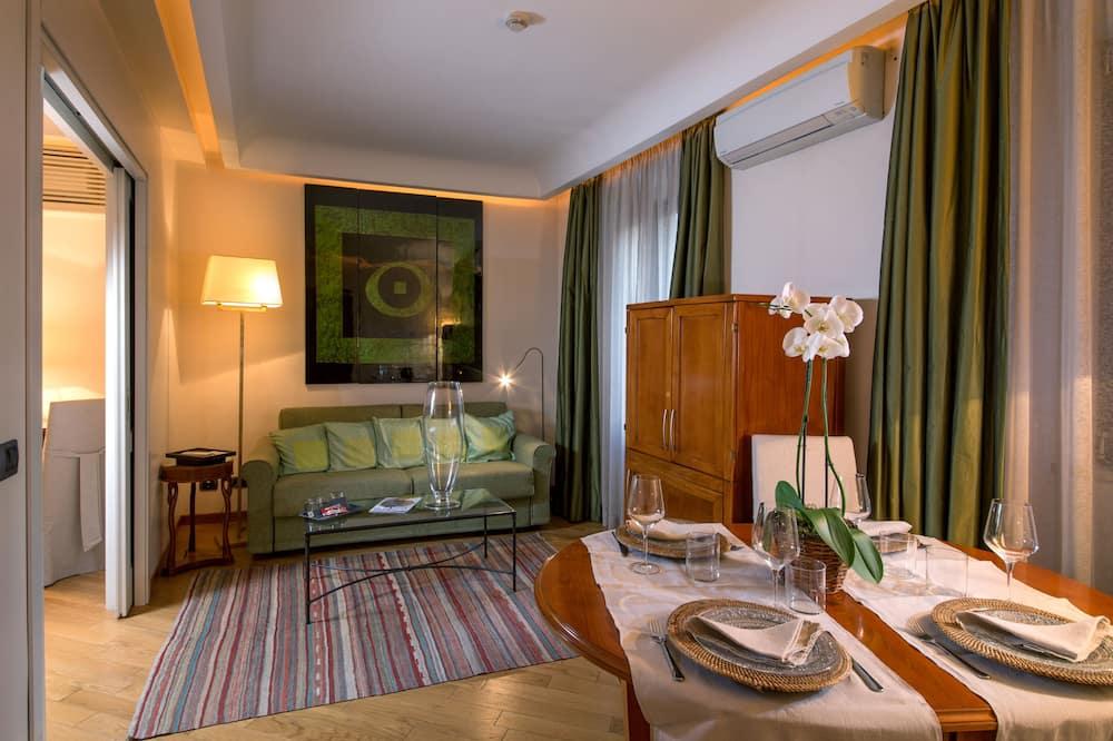 家庭公寓, 1 間臥室, 按摩浴缸 - 客房內用餐