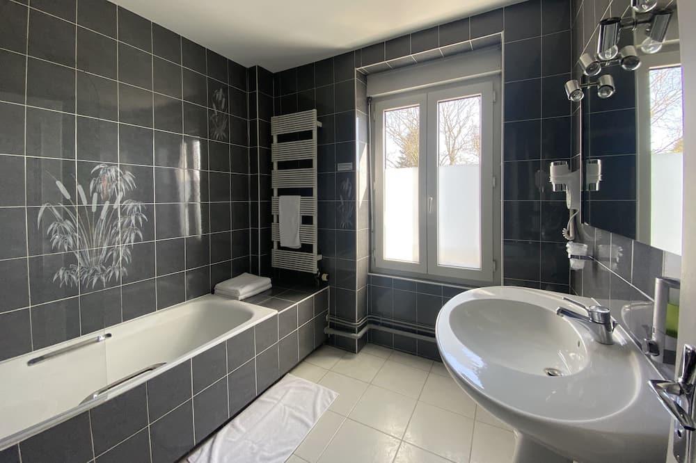 Superior Τρίκλινο Δωμάτιο - Μπάνιο