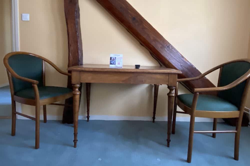 Superior Δίκλινο Δωμάτιο (Twin) - Περιοχή καθιστικού
