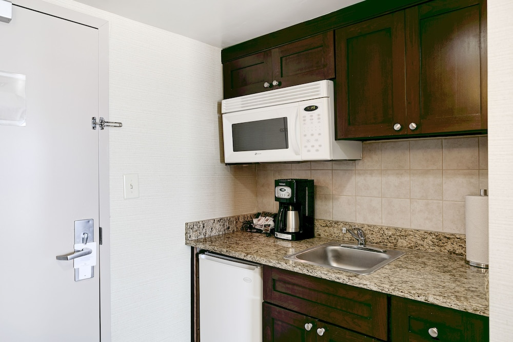 beach quarters by diamond resorts virginia beach studio oceanfront in room - Cheap Hotels In Virginia Beach With Kitchenette