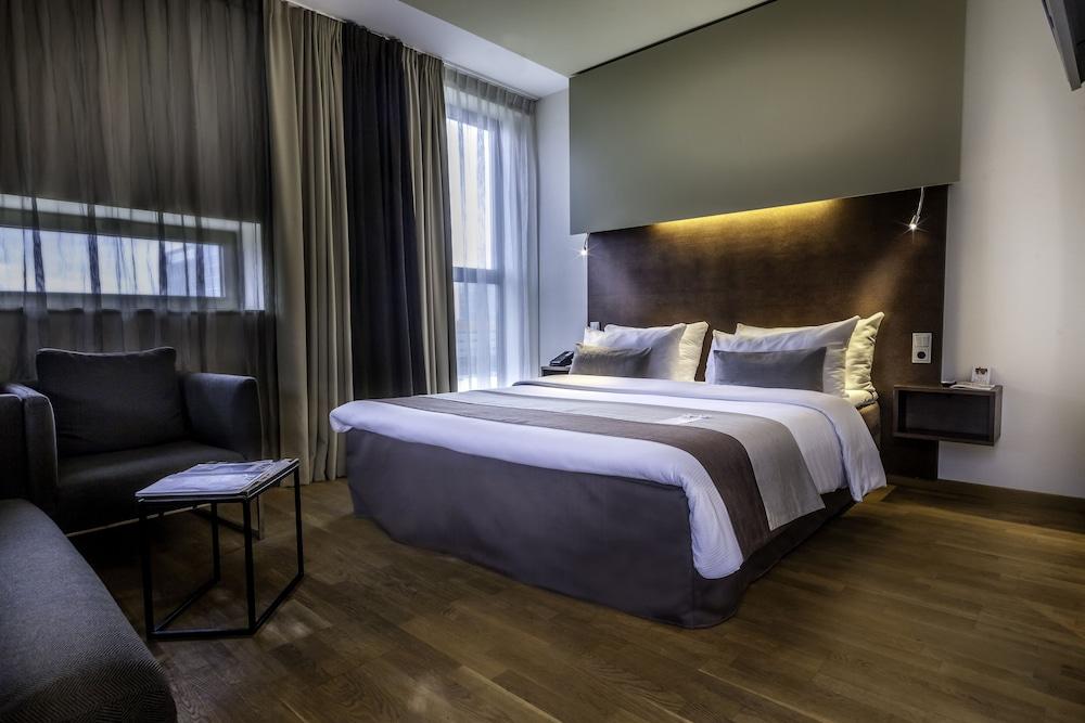 Dutch Design Hotel Artemis Amsterdam Hotelscom - Tres grand lit design