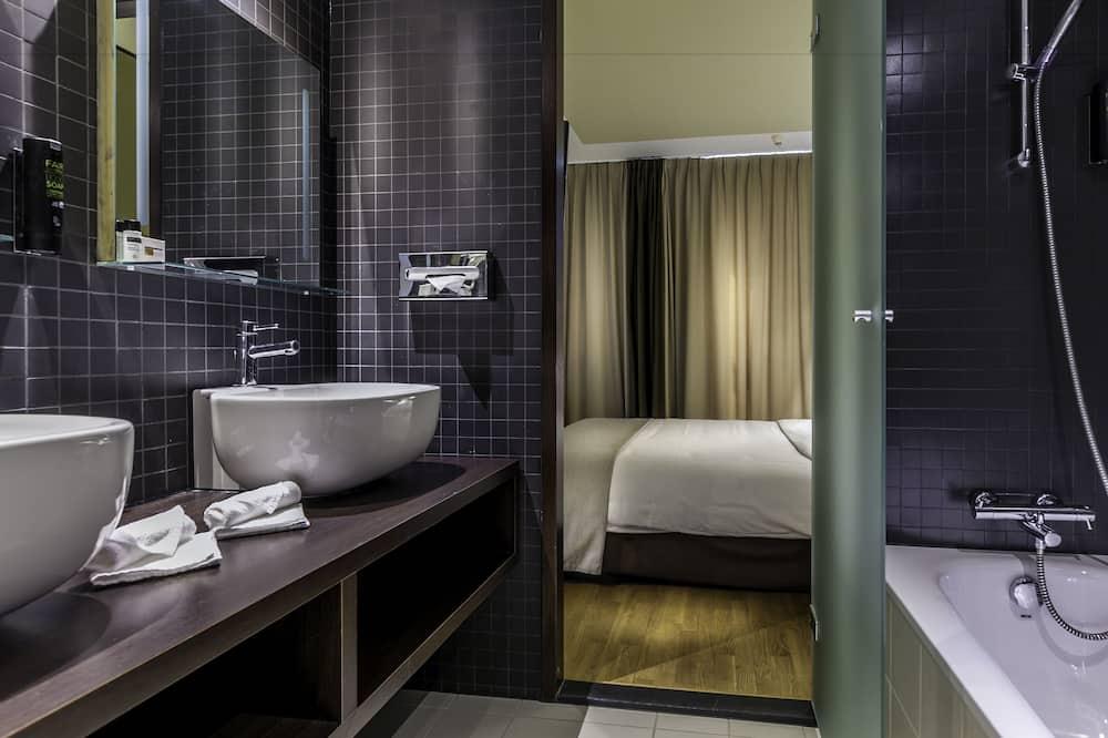 Business kamer, 1 kingsize bed - Badkamer