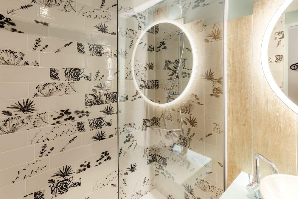 Classic Oda, 1 Tek Kişilik Yatak - Banyo Duşu
