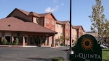 Choose This Business Hotel in Livermore -  - Online Room Reservations