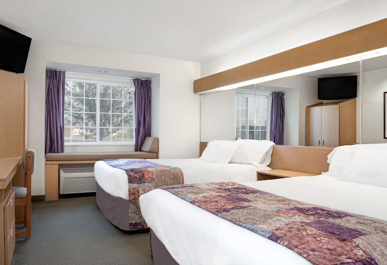 Microtel Inn & Suites by Wyndham Mankato, Mankato, Standard Room, 2 Queen Beds, Guest Room