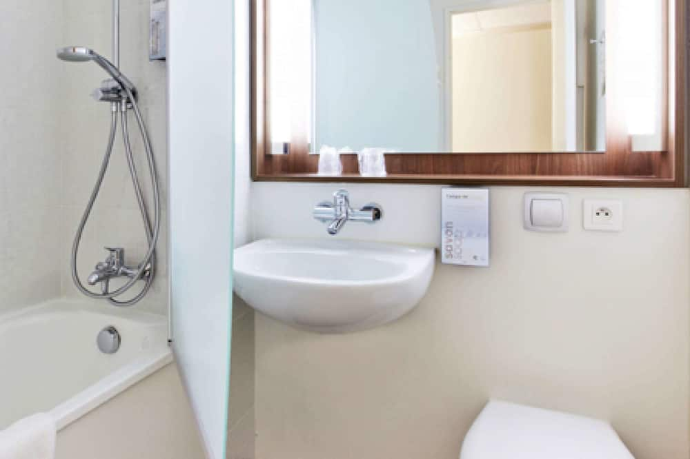 Twin Next Generation - Bathroom