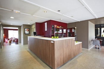 Choose This Business Hotel in Meaux -  - Online Room Reservations