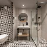 Superior Studio, 1 Queen Bed with Sofa bed - Bathroom
