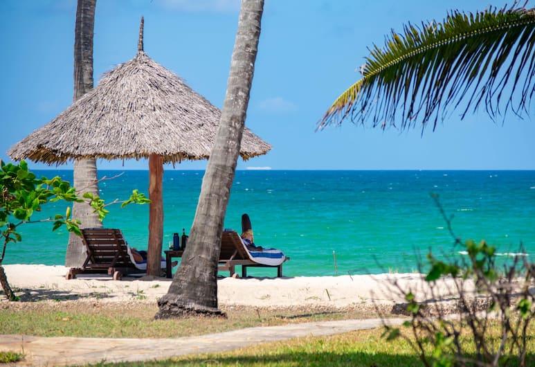 Jacaranda Indian Ocean Beach Resort, Diani Beach, BBQ/Picnic Area
