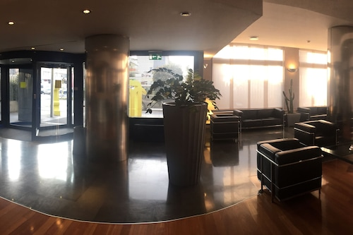โรงแรมลาสเปเซีย/