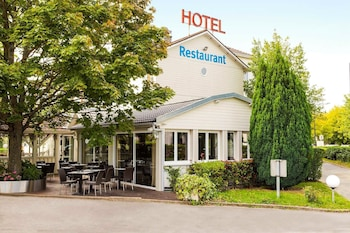 Mynd af Comfort Hotel Acadie Les Ulis í Villebon-sur-Yvette