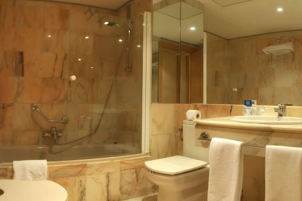 Standard Δίκλινο Δωμάτιο (Twin) (with parking) - Μπάνιο