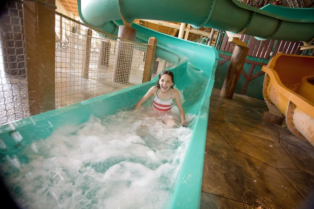 Nov 09,  · Located in Sandusky, Great Wolf Lodge Sandusky OH is a 1-minute drive from Sandusky Mall and 5 minutes from Keys Golf Course. Featured amenities include a hour front desk, a safe deposit box at the front desk, and ATM/banking services.