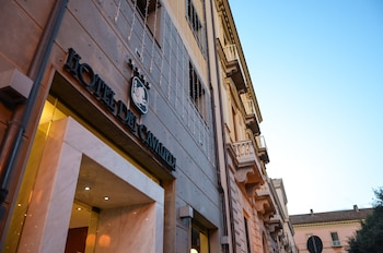 Enter your dates to get the Caserta hotel deal