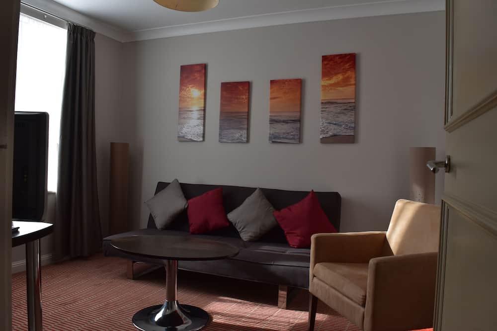 Standard Suite, 1 King Bed - Living Area