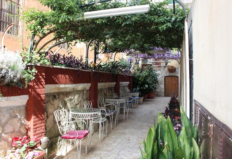 Hotel Pavia, Roma, Ingresso hotel