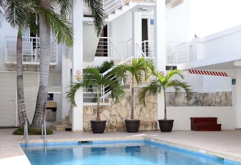 特拉卡里伯酒店, 坎昆, 室外泳池