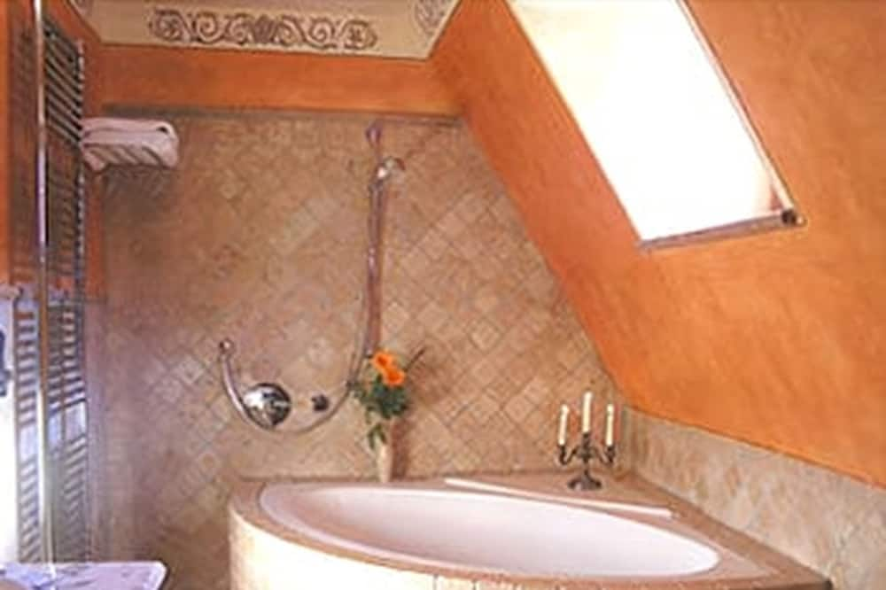 Štandardná dvojlôžková izba - Hlboká vaňa