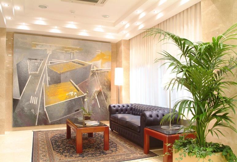 Hotel Gran Legazpi, Madrid, Posezení ve vstupní hale