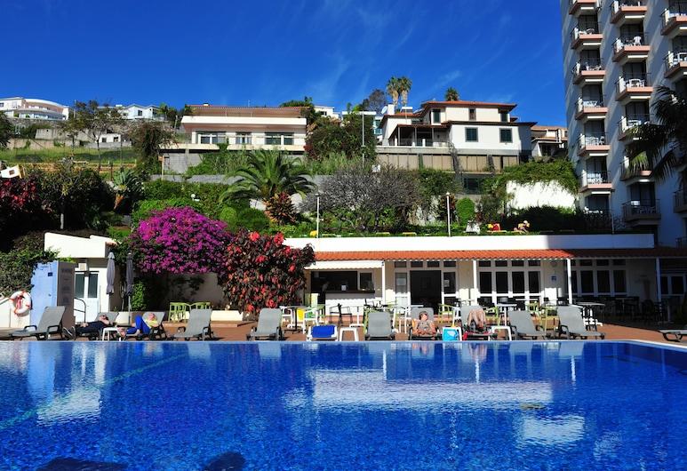 德里索伊斯德麗莎飯店, 芳夏爾, 室外游泳池