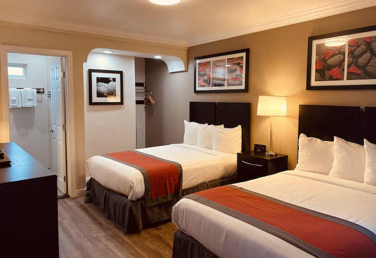 The Lexmar Dodger Stadium Hollywood, Los Angeles, 2 Double Beds Non Smoking, Guest Room