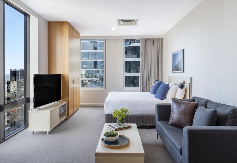 Oaks Melbourne on Market Hotel, Melbourne, Studio Premium, with In-room Bathrobes & Two Drinks at Oak & Vine, Living Area