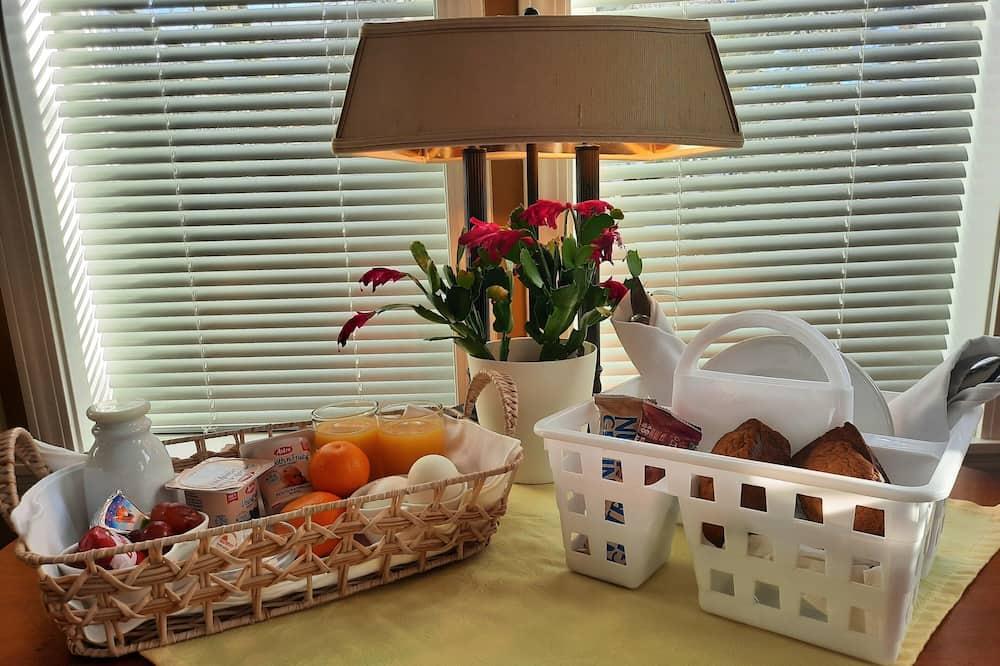Номер «Премиум» (Westerly Room) - Обед в номере