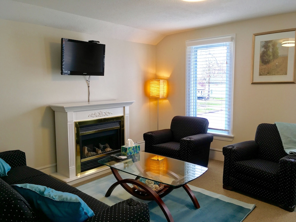 Ellis House Bed And Breakfast Niagara Falls