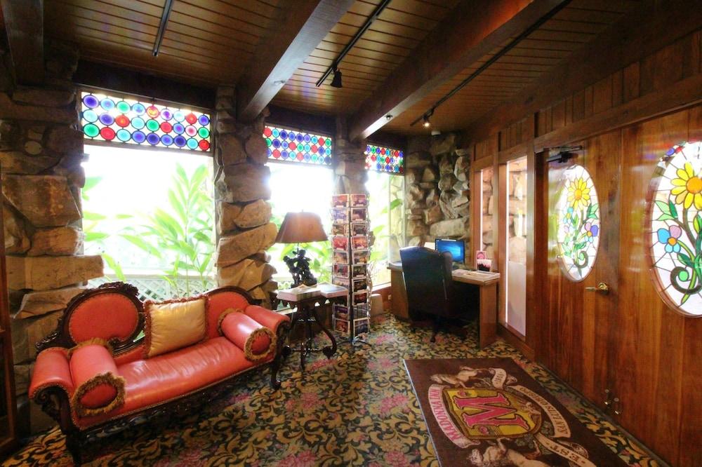Book Madonna Inn in San Luis Obispo | Hotels.com