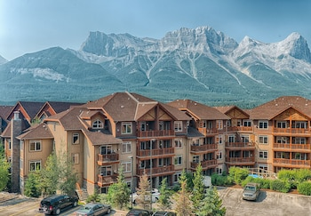 Canmore — zdjęcie hotelu Falcon Crest Lodge by CLIQUE