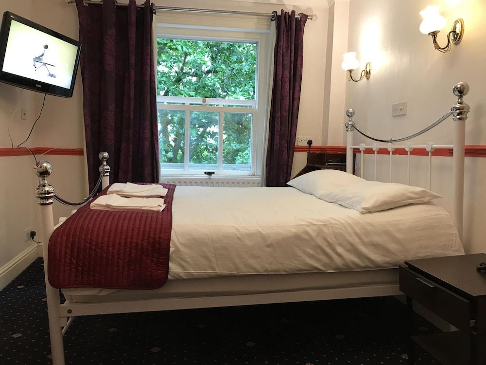 Springfield Hotel London, London