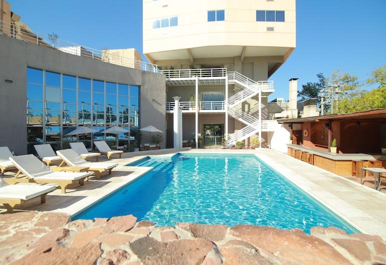 Tower Inn and Suites, San Rafael, Outdoor Pool